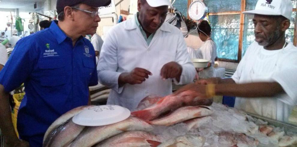 Salud realiza operativo en el Mercado del Marisco