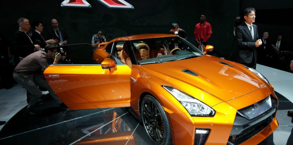 Nissan renueva el deportivo GT-R con nuevo diseño y más potencia
