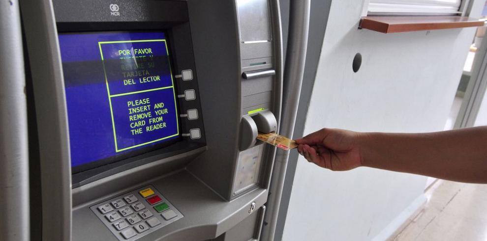 Usuarios deben $3,108 millones en tarjetas y préstamos de autos