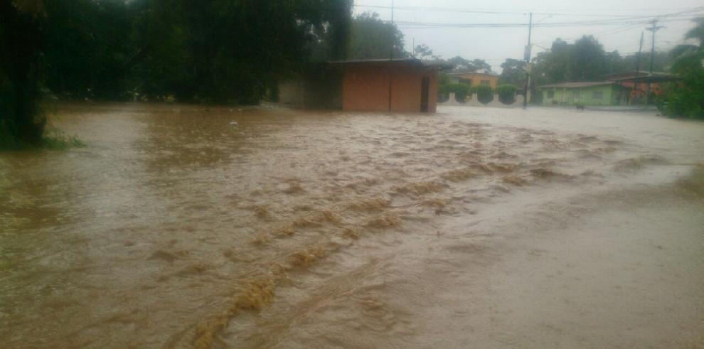Lluvias generan inundaciones y deslizamientos en la provincia de Panamá