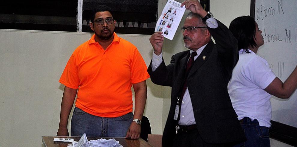 Eduardo Flores, nuevo rector de la Universidad de Panamá