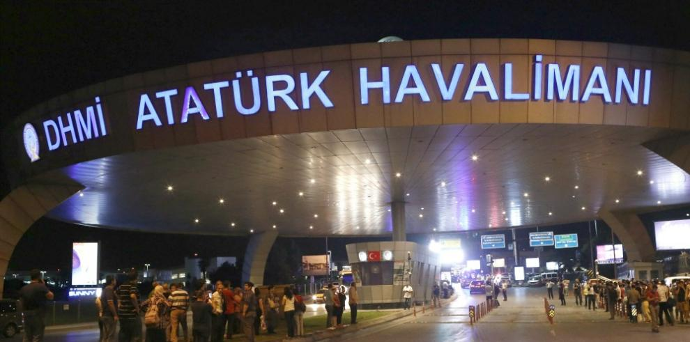 Turquía confirma 41 muertos en ataque al aeropuertoAtatürk enEstambul