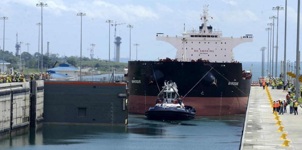 Llega el buque fletado para las pruebas