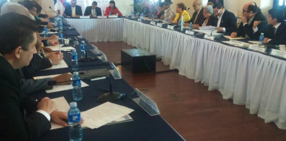 Concertación Nacional evalúa propuesta para luchar contra la corrupción