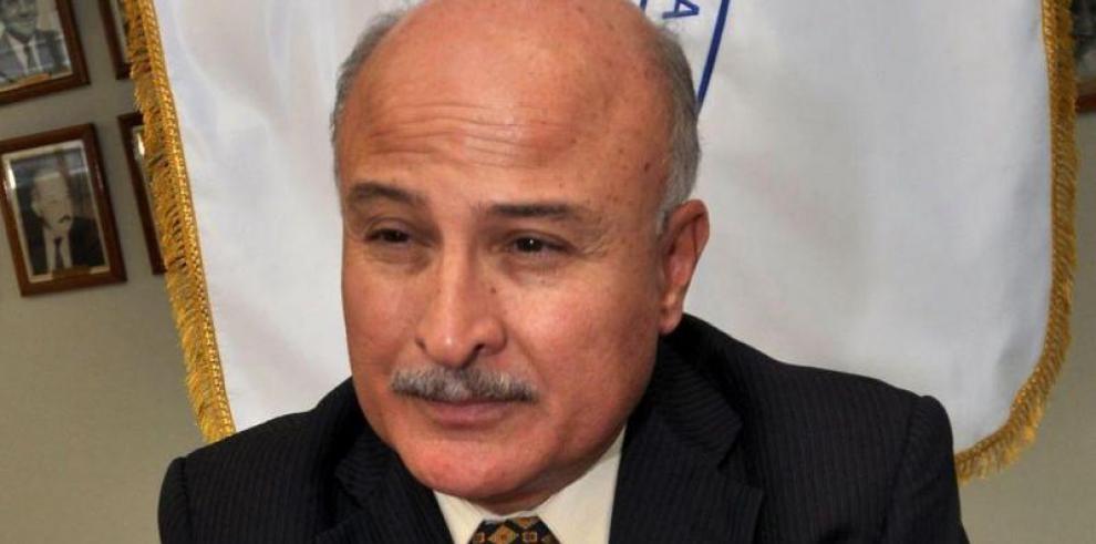 Renuncia el director del INADEH, Modaldo Tuñón