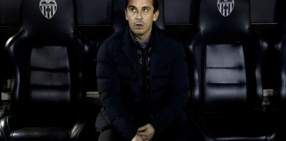 Valencia destituye al técnico Gary Neville