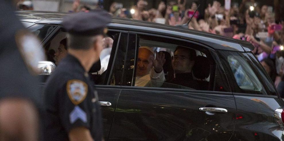 Auto del Papa busca dueño