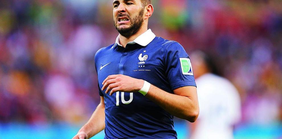 Debate sobre utilidad que da selección francesa a Benzema