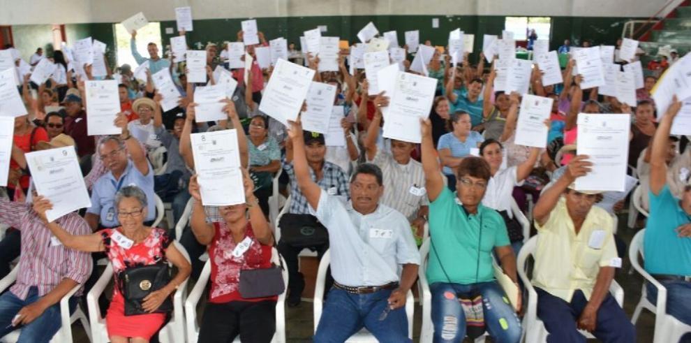 La Anati entrega títulos de propiedad en Tolé