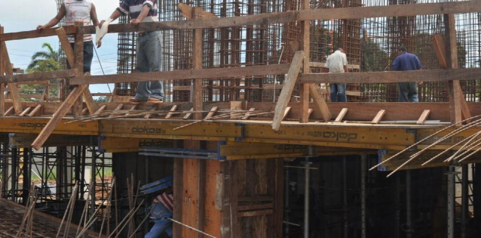 Obstáculos del Municipio afectan la actividad de la construcción