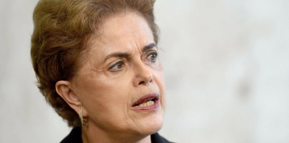 Senador acusa a ministro de Rousseff de intentar comprar su silencio