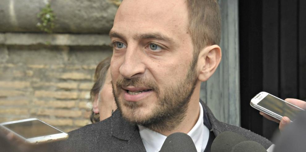 Periodista imputado en Vaticano dice que recibió documentos sin pedirlos