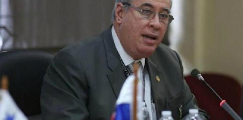 Credenciales discutirá mañana las denuncias contra Ayú Prado