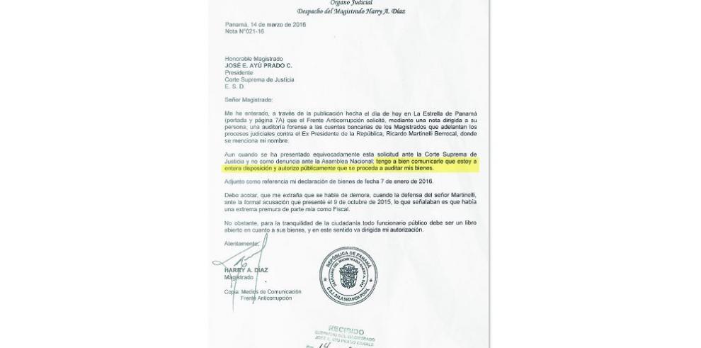 Díaz acepta auditorías a sus cuentas y propiedades