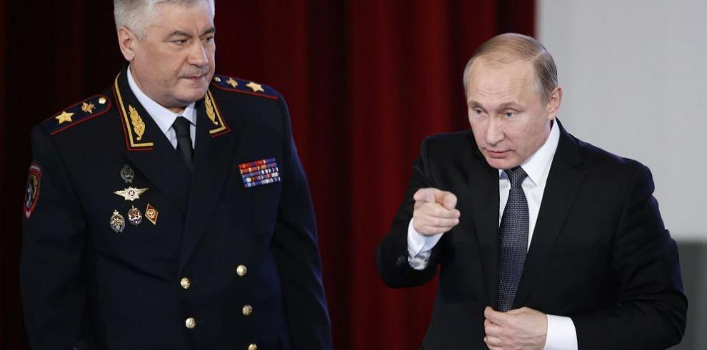 Putin critica a su ministro de deportes por casos de dopajes