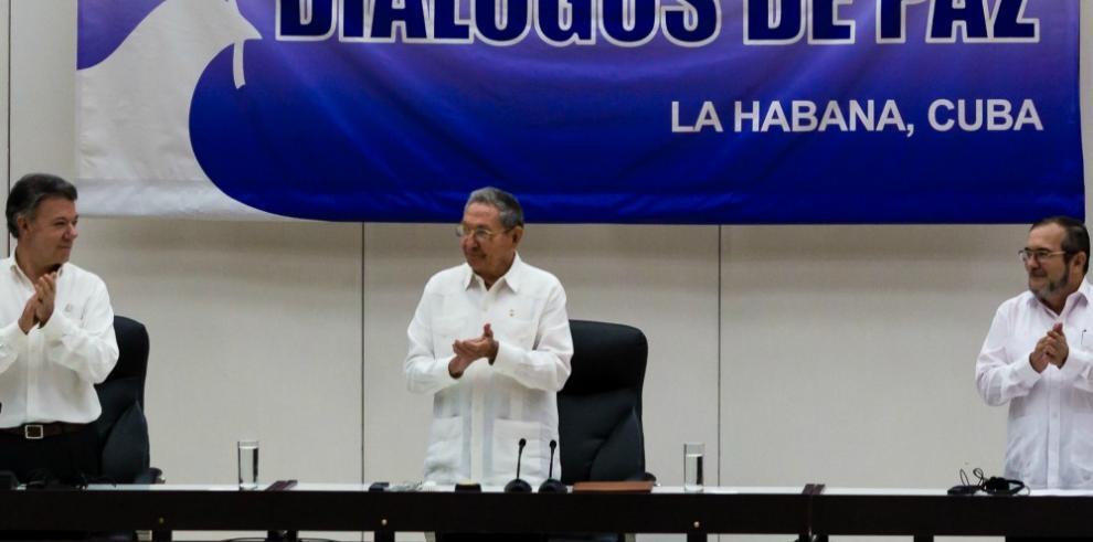 Colombia oficializa acuerdo de paz con la FARC en La Habana