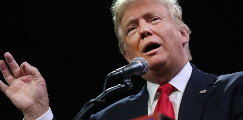 Donald Trump inaugura complejo de golf en Escocia