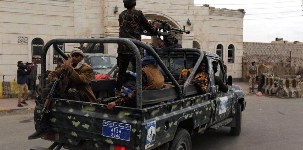 Arabia Saudita dialoga con rebeldes hutíes
