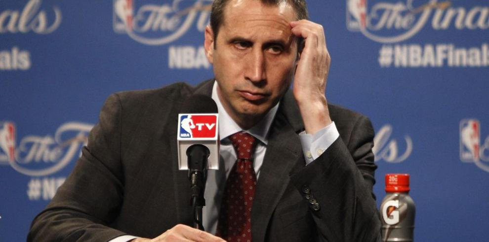 """¿Por qué despidieron los """"Cavs"""" a David Blatt?"""
