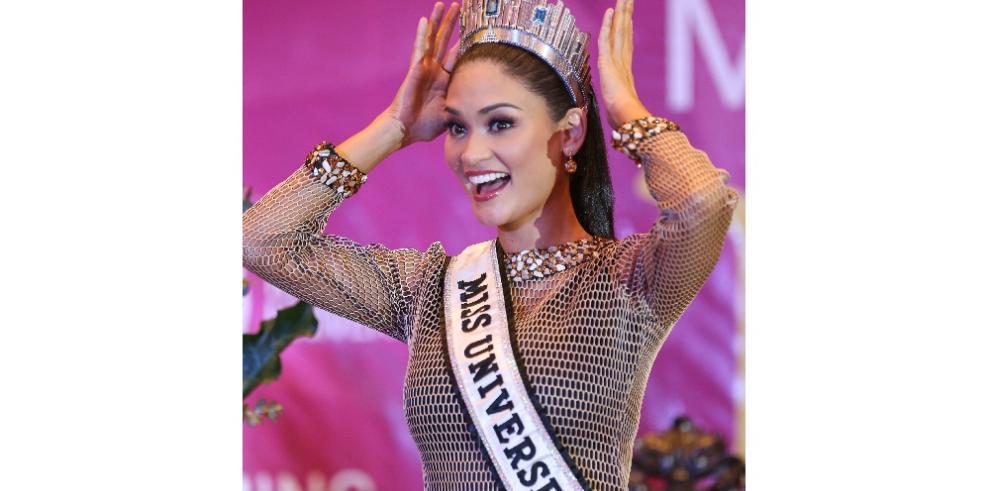 Miss UniversoPia Alonzo llega a su natal Filipinas