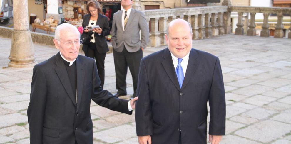 Fiscalía pide juicio para Richard Fifer y Kenneth Morgan