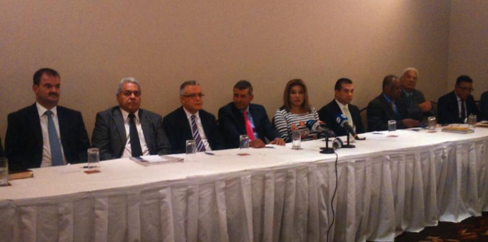 Abogados de Martinelli denuncian persecución del Gobierno