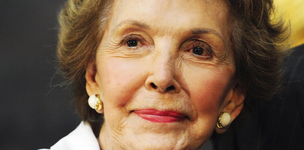 Exprimera dama Nancy Reagan será enterrada el viernes en California