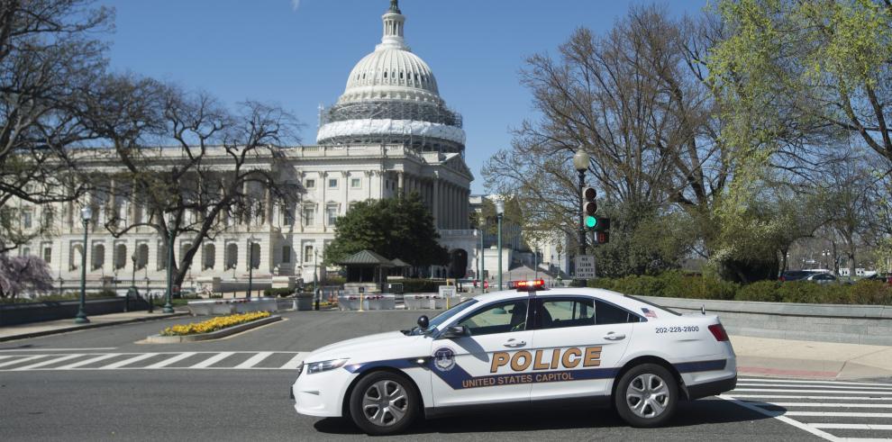 Detienen a sospecho de disparar en el Capitolio de EE.UU.