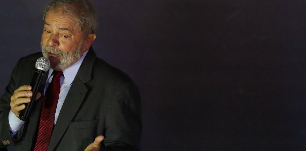 Corte posterga decisión sobre el nombramiento de Lula como ministro