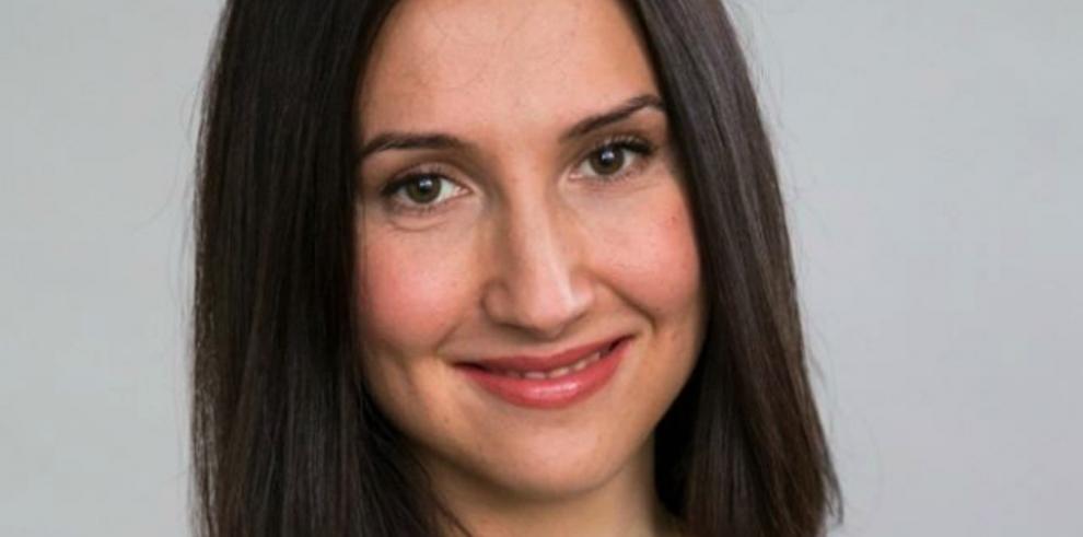 Renuncia ministra sueca por dar positivo en prueba dealcoholemia