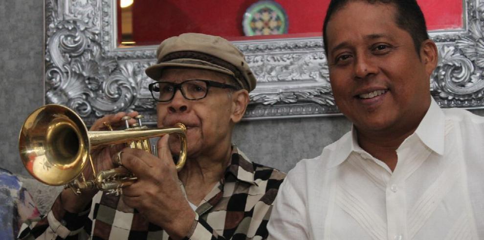 Panamá rinde tributo a 'Vitín' Paz