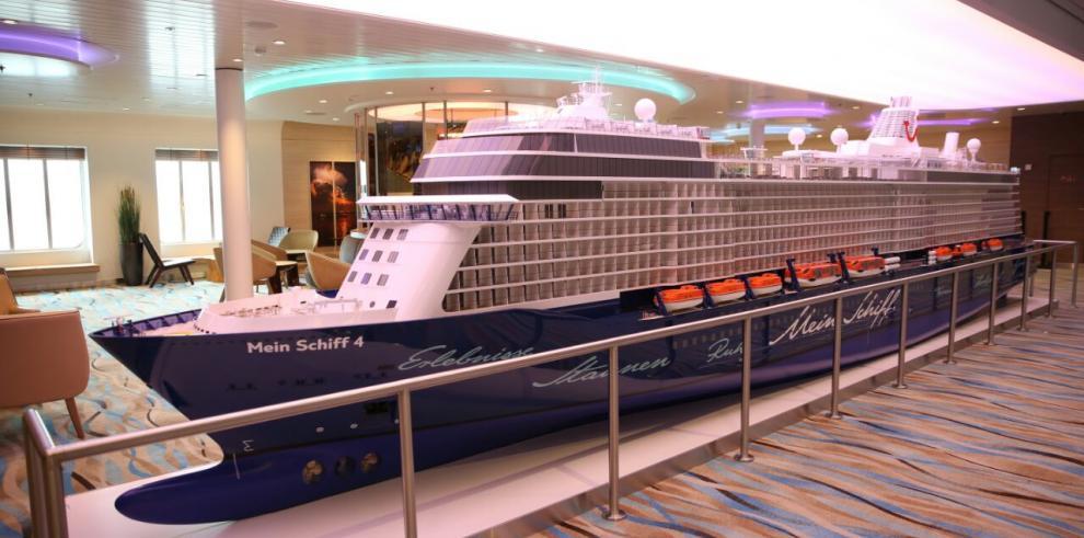 Crucero Mein Schiff 4 de la línea alemana TUI Cruises arribóa Colón