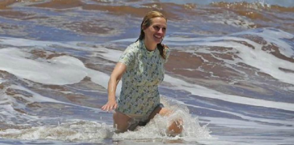 Julia Roberts luce unbikini a sus 48 años sin importarle su celulitis