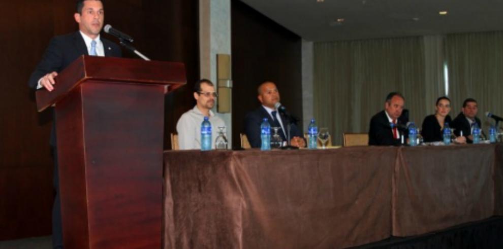 40 delegaciones internacionales irán a la apertura del canal ampliado