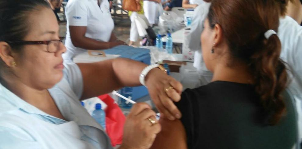 Más de 6 mil vacunas contra el A(H1N1) se aplicaron en el Parque Omar
