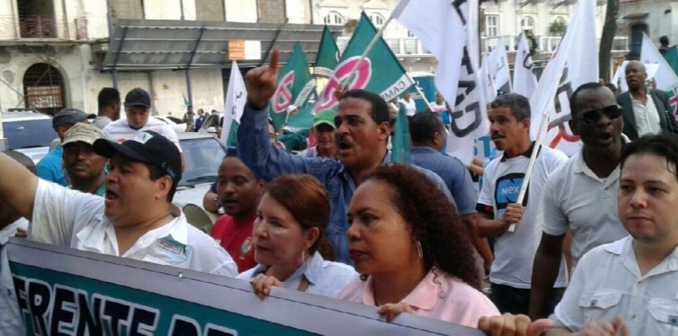 CD protesta por promesas incumplidas del Gobierno