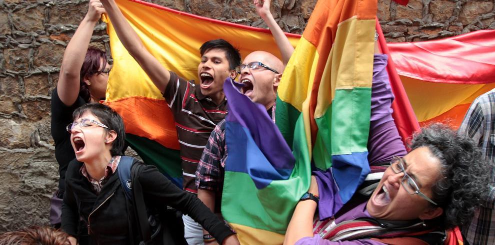 Colombia aprueba matrimonio de parejas del mismo sexo