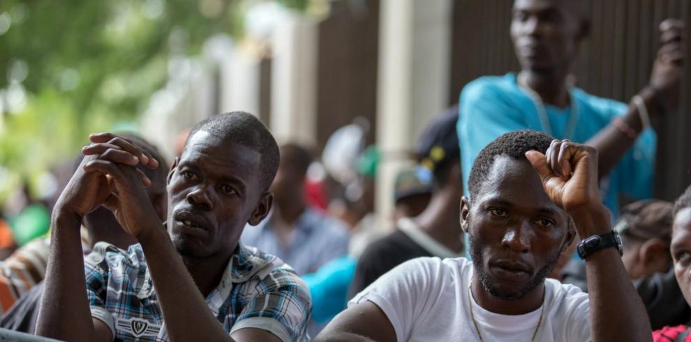 Honduras detiene a 30 haitianos que iban indocumentados a EEUU