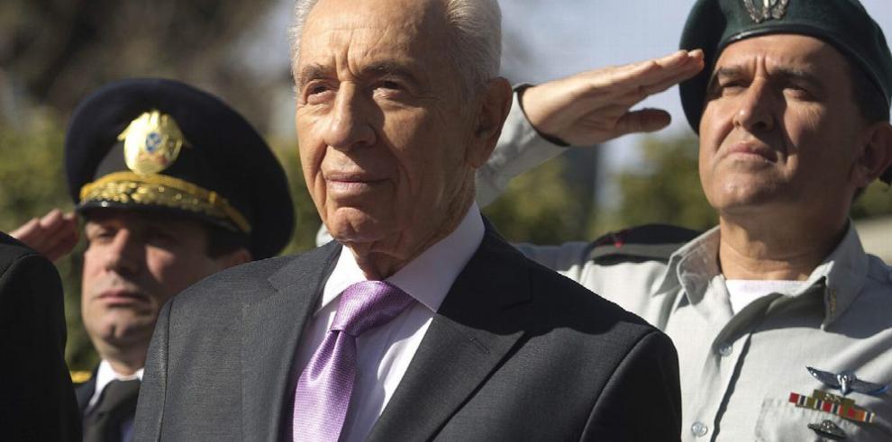 Simon Peres sigue en estado 'crítico' con cierta mejoría