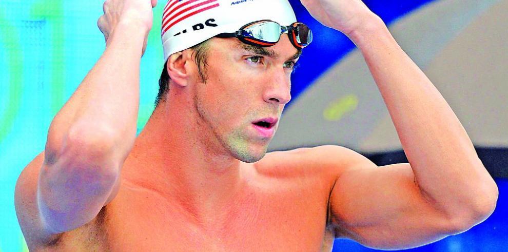 El histórico Phelps estrena bañador