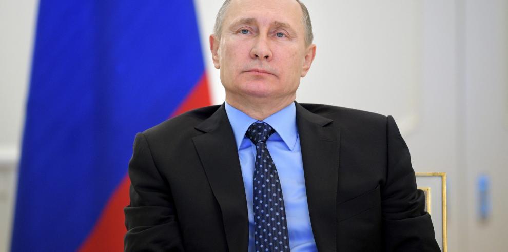 Putin anuncia que no expulsará a ningún diplomático de EEUU