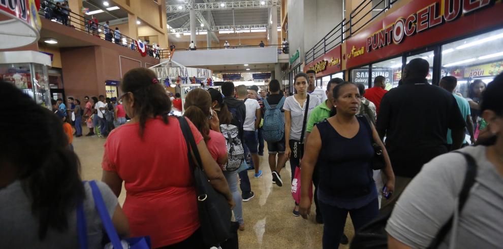 Panameños inician éxodo hacia el interior por fiestas de Año Nuevo