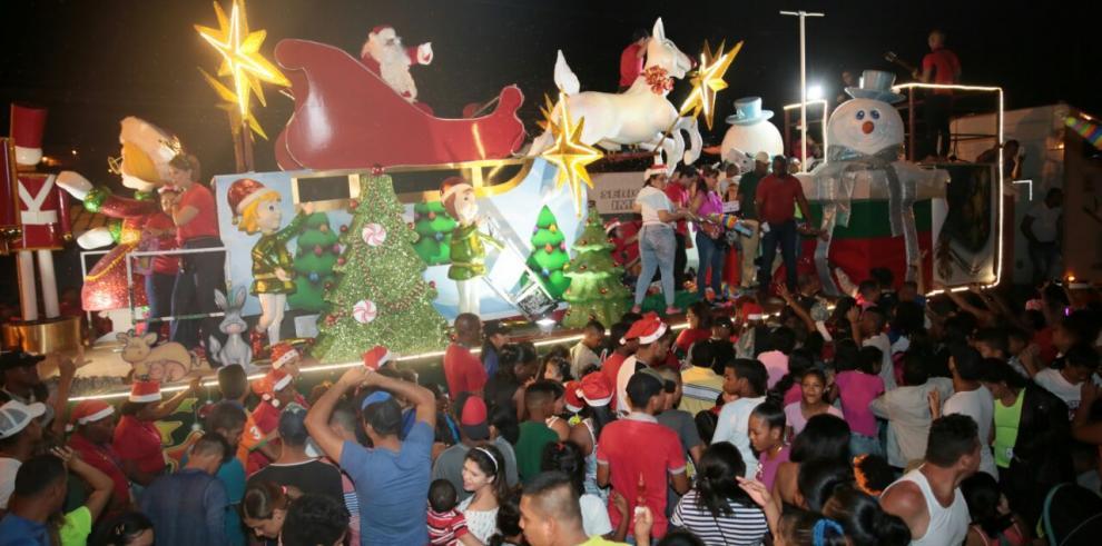 San Miguelito se luce con el desfile