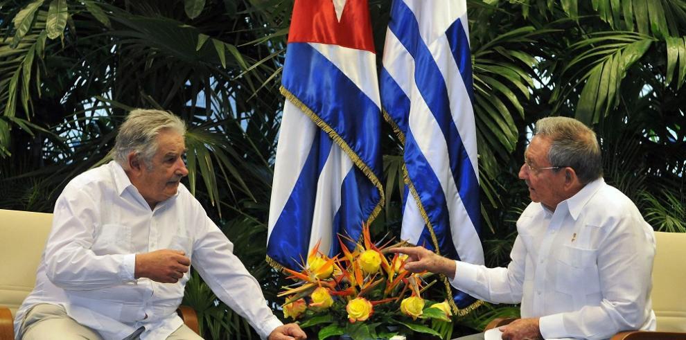 Mujica dice que Raúl Castro tiene decidido abandonar Cuba