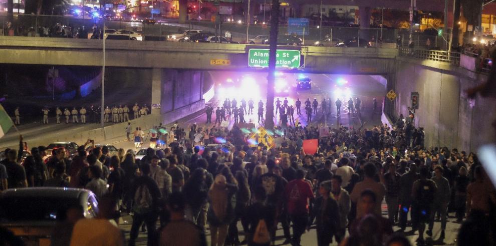 Se desatan protestas anti-Trump en principales ciudades de EEUU