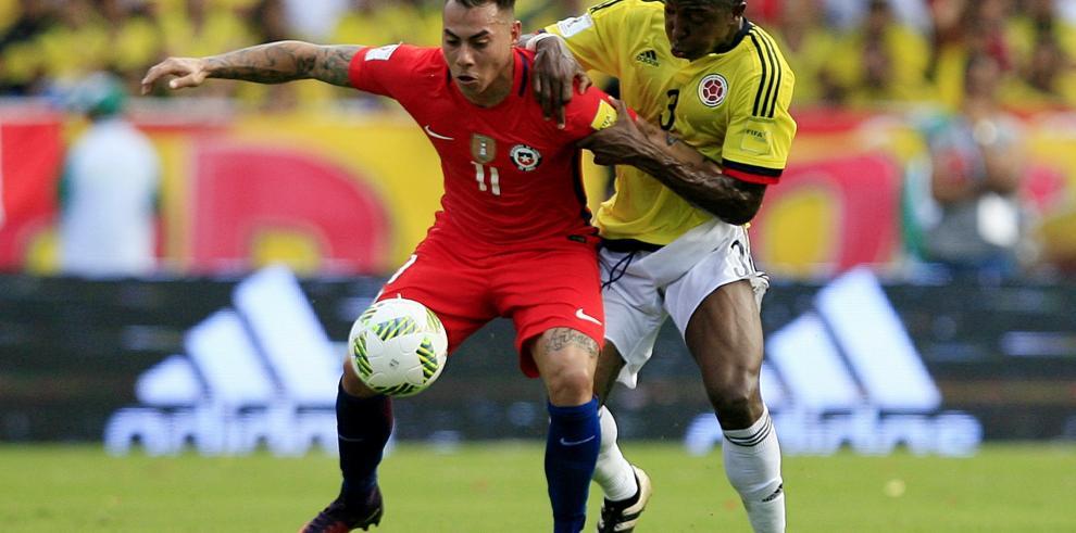Una Colombia opaca deja escapar dos puntos ante Chile en Barranquilla