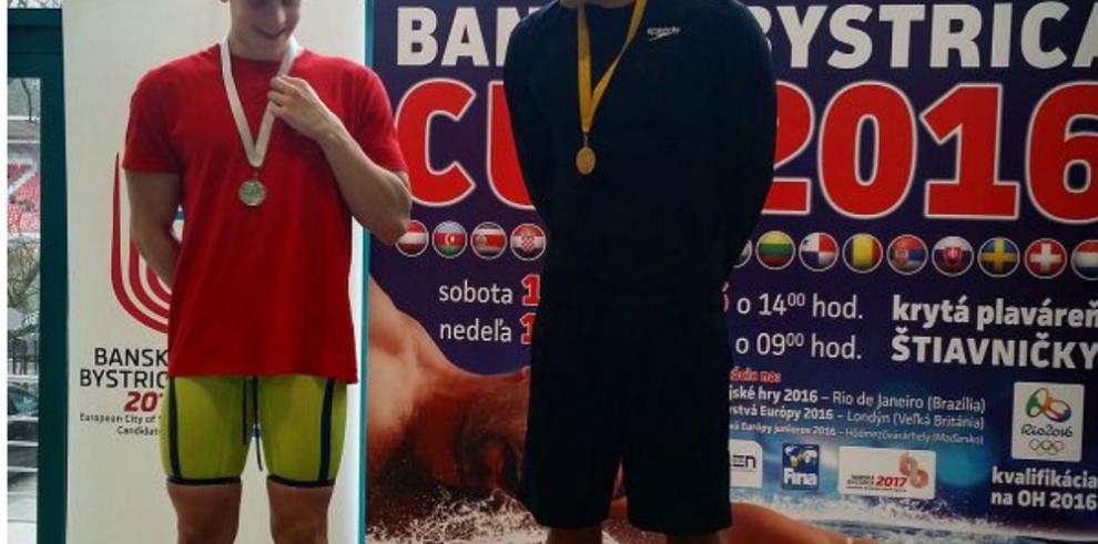 Crespo se baña de oro en Eslovaquia