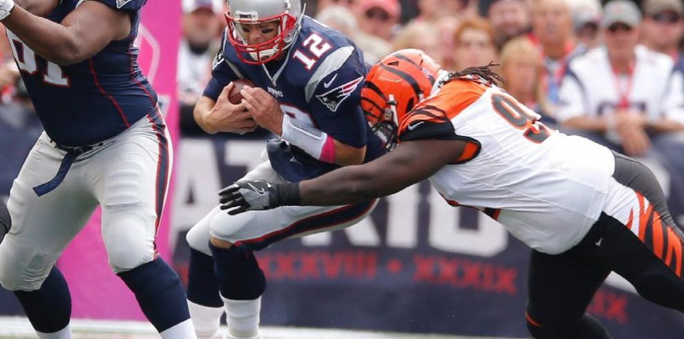 Tom Brady pasa bien y los Patriotas sellan victoria