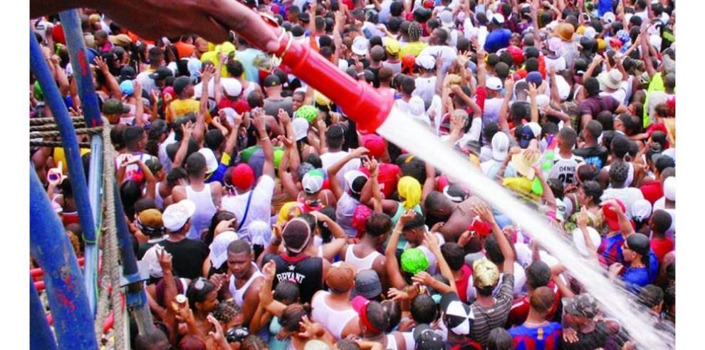 Azuerenses buscan frenar el carnaval
