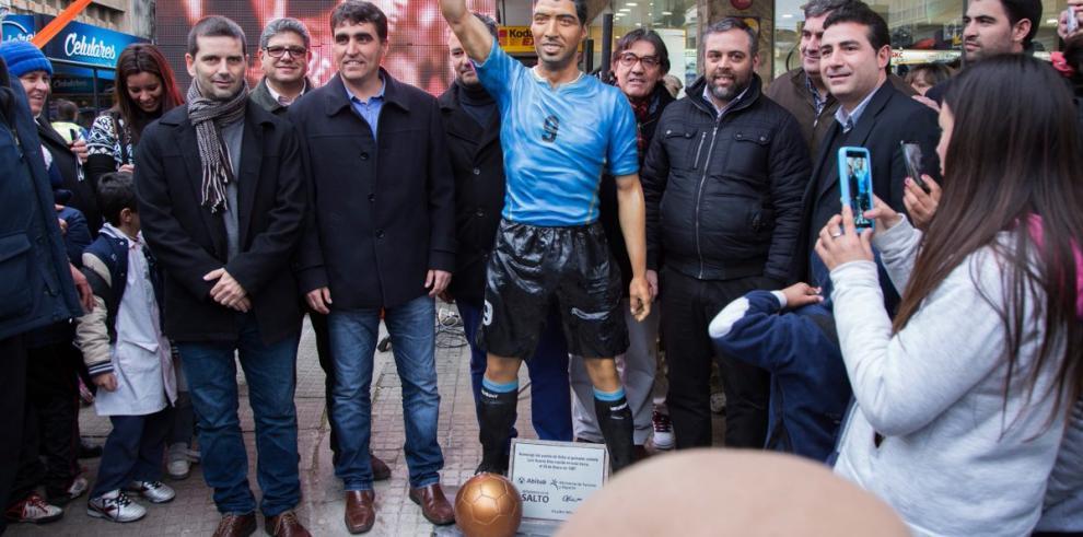 Luis Suárez tiene suestatua a tamaño real